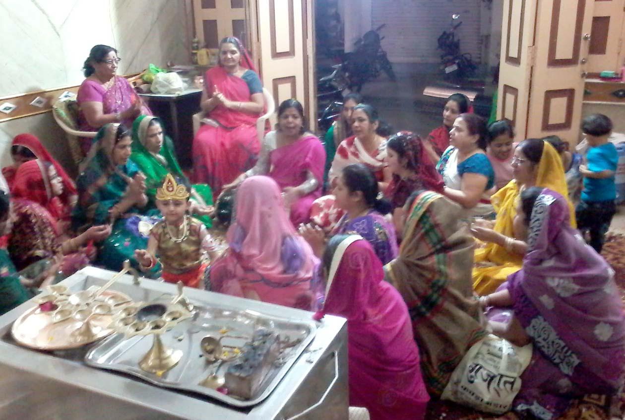 Swarnakar-Samaj-Mahila-Mandal-celebrated-holi-festival-स्वर्णकार समाज महिला मंडल ने मनाया फाग उत्सव