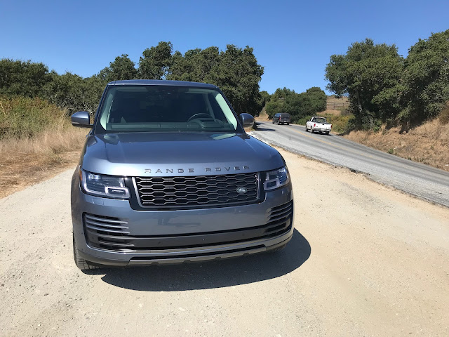 Front view of 2019 Range Rover HSE P400e