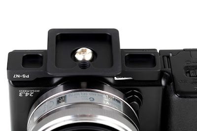 Sunwayfoto PS-N7 on SONY NEX-7 bottom view