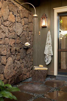 Outdoor+Shower+Enclosure-Stone+Gravel+Flooring