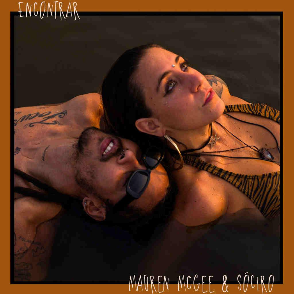 """A cantora Mauren McGee inicia 2021 com uma canção pontual sobre o momento, que exalta boas vibrações e serenidade após um ano turbulento para a humanidade. O rapper SóCiro é o convidado especial em """"Encontrar"""", que saiu em videoclipe e nas plataformas digitais (https://sym.ffm.to/encontrar) via Canil Records."""
