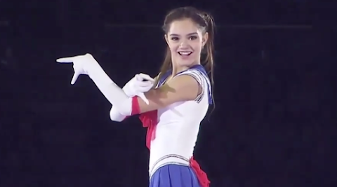 evgenia medvedeva, la pattinatrice russa vestita da sailor moon