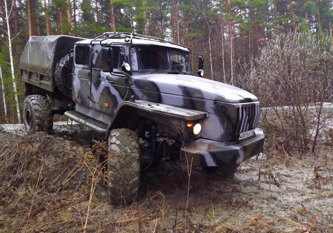 Ural 4x4 Double-cab Truck