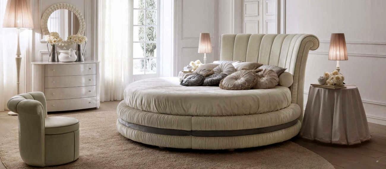 Mobila clasica de lux paturi dormitor - Mobila italiana Constanta| Mobilier - dormitor - pat - tapitat - Constanta.