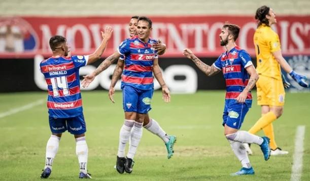 Fortaleza vence Corinthians e chega ao G-4 do Brasileirão