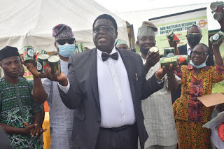 Raw Materials Research, Development Council Distributes 100m Tomatoes To Farmers In Ogun