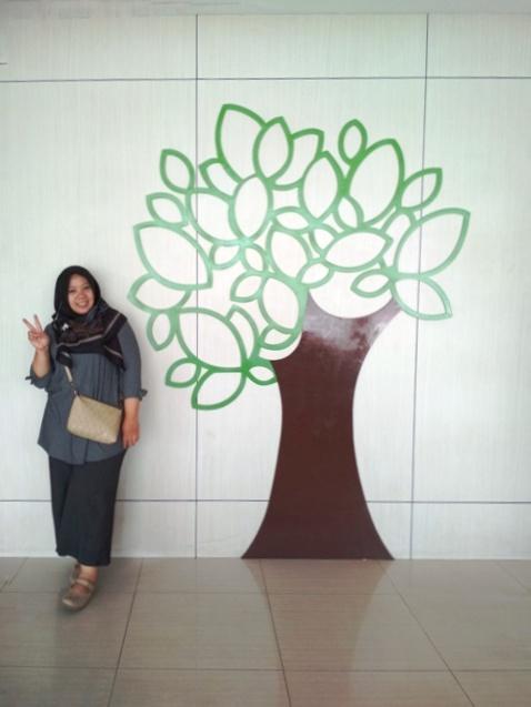 Nisya Rifiani di Lobby Area Hotel Sabrina Panam Pekanbaru