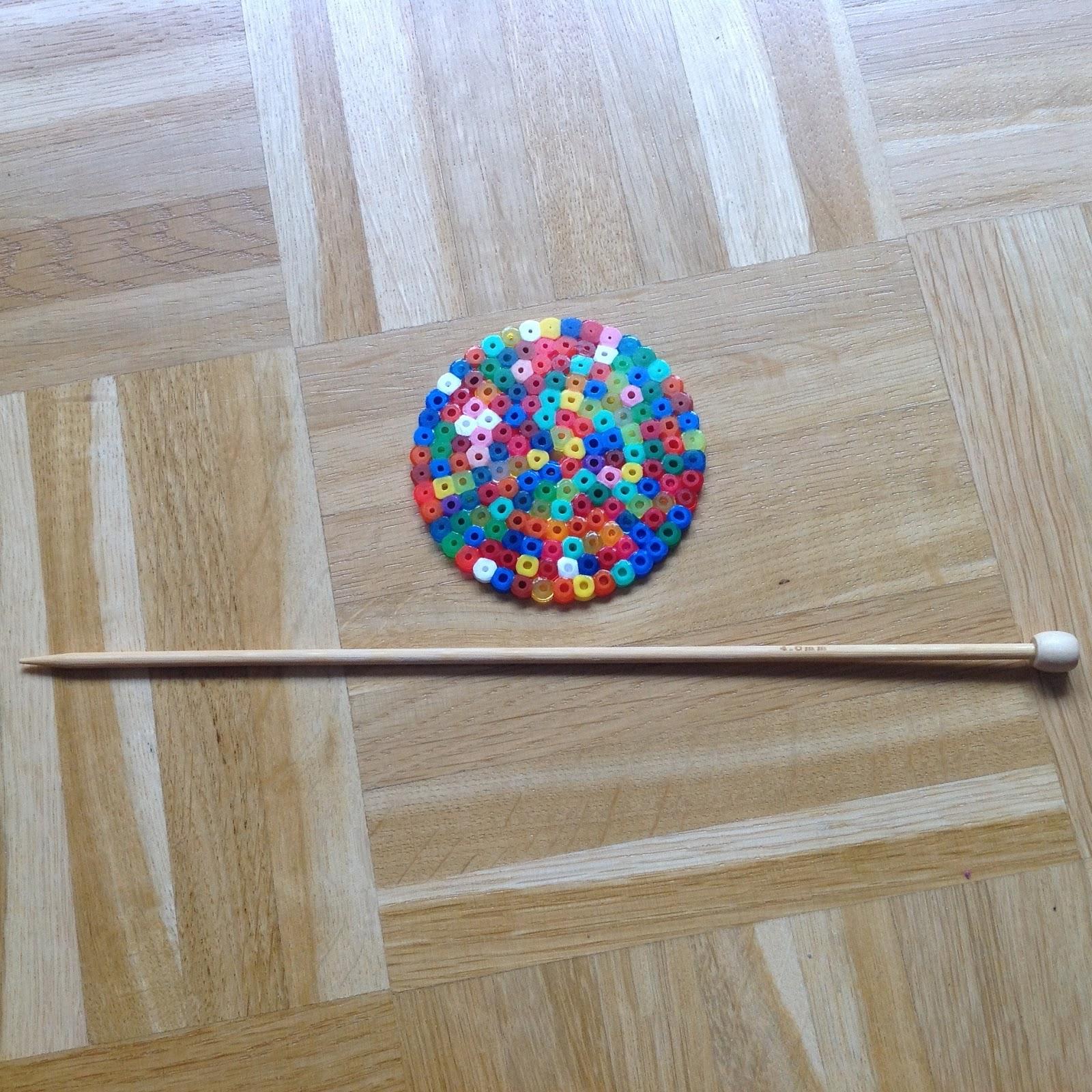 Bambusstricknadel und runde Bügelperlenform