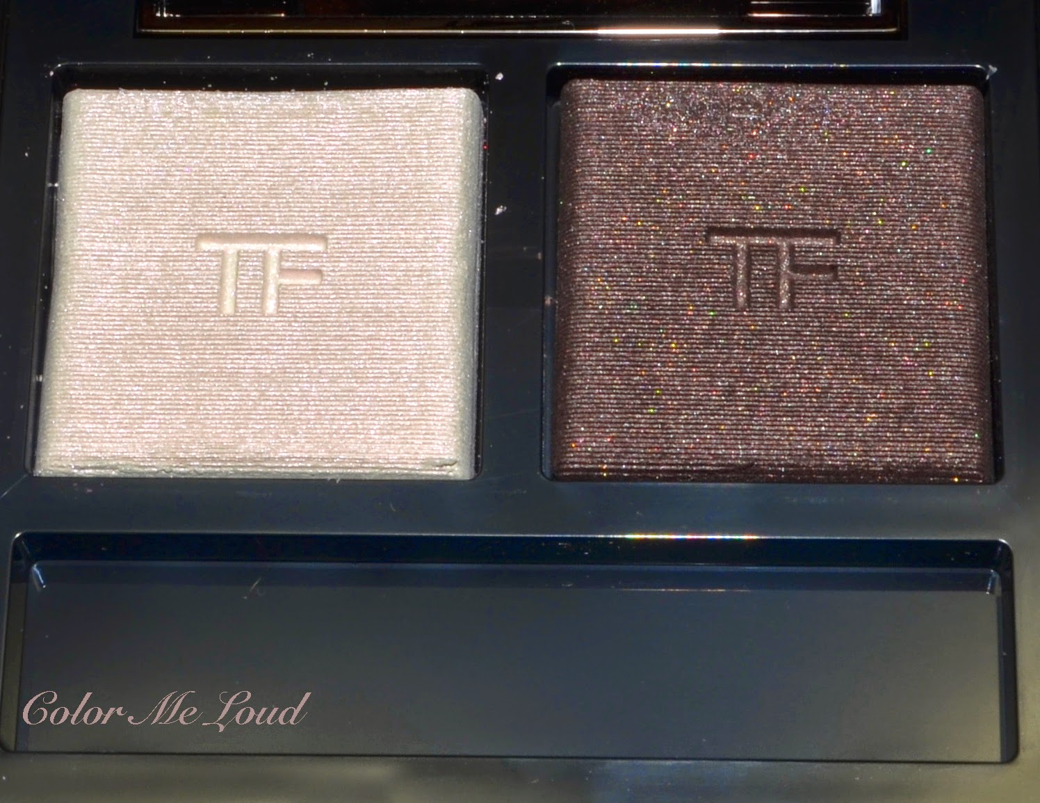 2f9f6024ac890 Close-up  Tom Ford Eye Color Duo  01 Ripe Plum