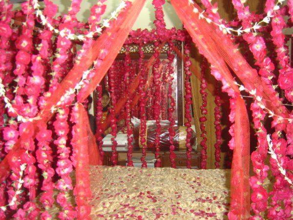 Girlsvilla Wedding Room Decoration