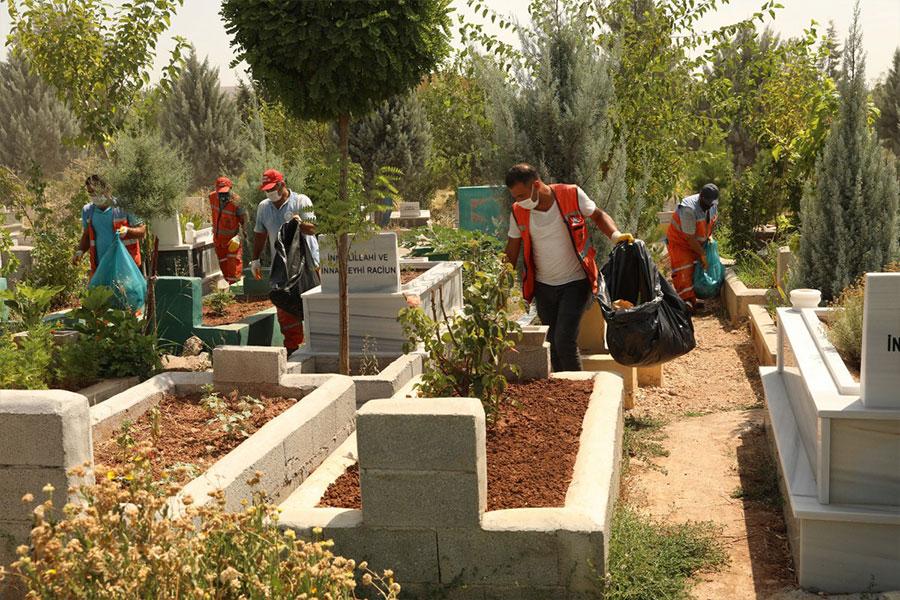 diyarbakirdaki-mezarliklar-bayram-ziyaretine-hazir
