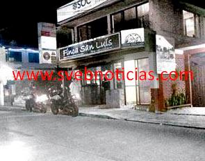 "Asaltan con violencia cafeteria ""Finca San Luis"" en Cordoba Veracruz"