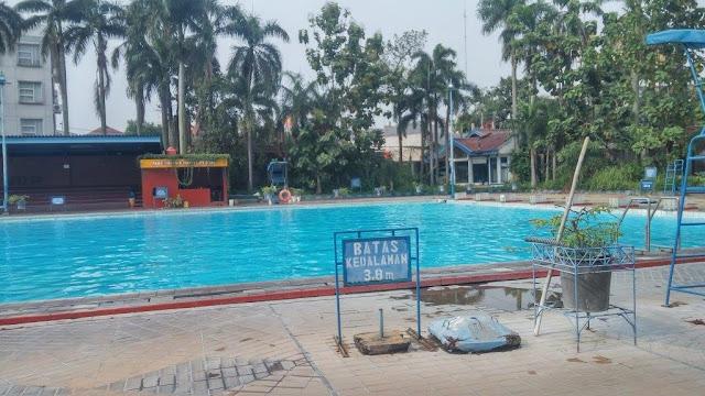 kolam renang ciledug