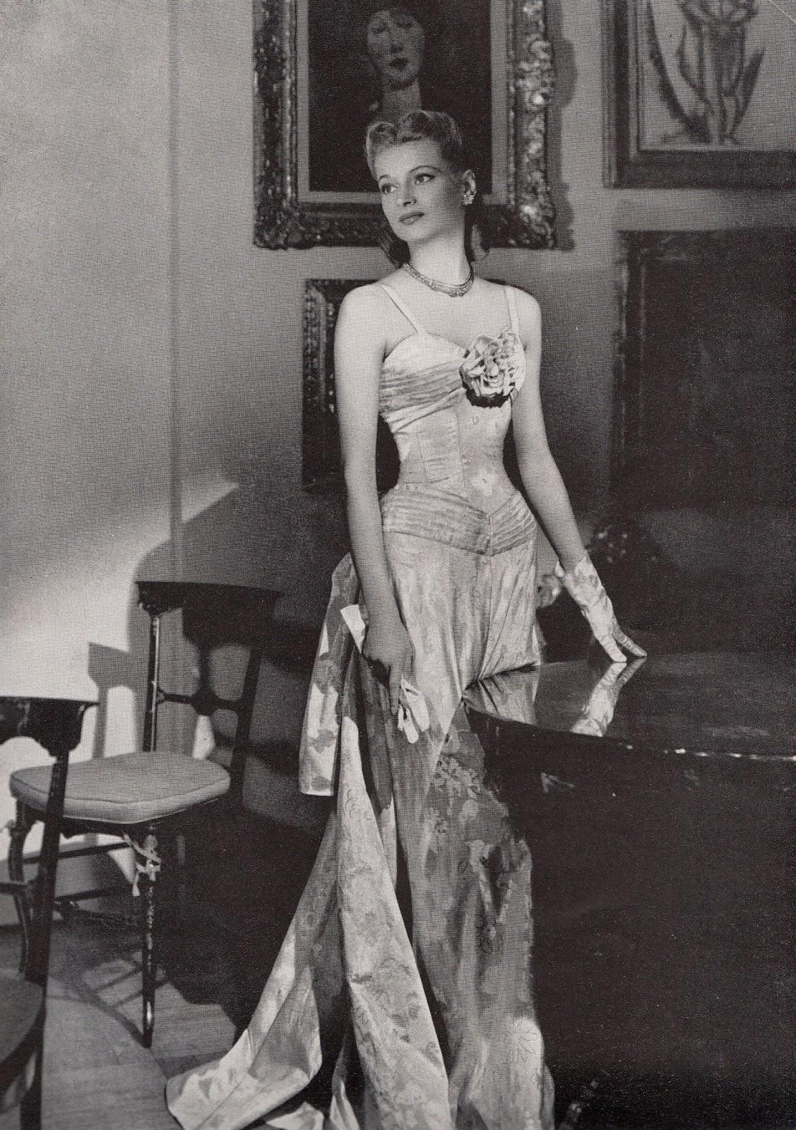 Love Fashion Love Vintage Harper S Bazaar 1939 Evening Gowns