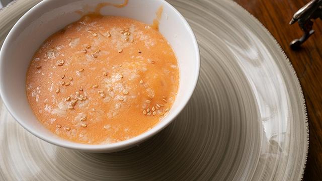 receta de como hacer huevos gratinados con bechamel y cebolla al horno