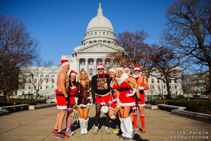 Madison WI Santa Swimsuit Run 2013 (c) Stick People Productions