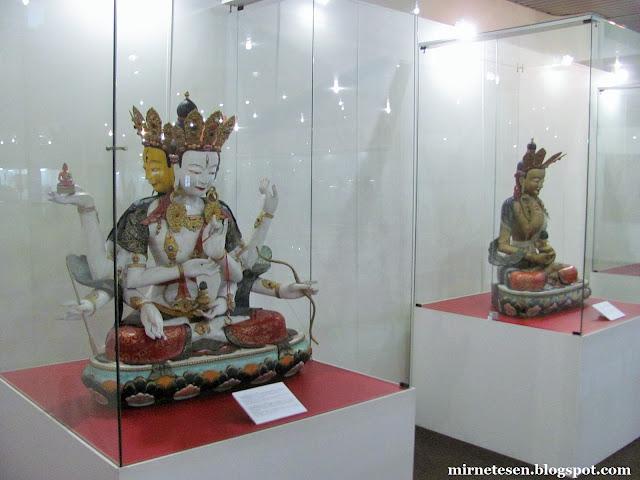 Музей истории Бурятии - зал буддистского искусства