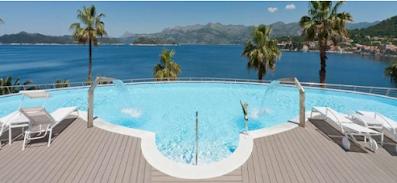 Deck σε πισίνα