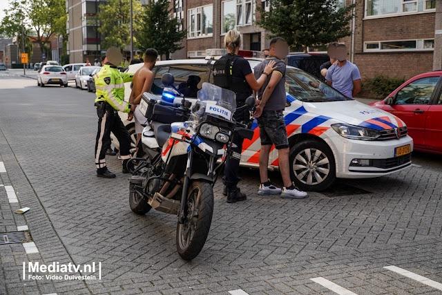 فيديو .. الشرطة الهولندية تلقي القبض على خمسة أشخاص في روتردام و السبب