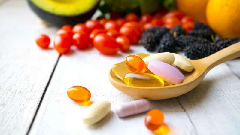 Às cinco vitaminas essenciais que temos que tomar durante a pandemia
