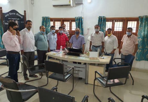 सीतामढ़ी की समस्या को लेकर पहले नगर आयुक्त से मिले कारोबारी संगठन