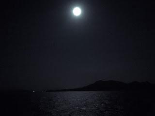 Selat Sunda di Tengah Malam