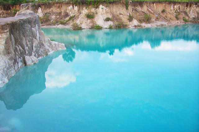 Danau Biru Tempat Wisata di Kota Singkawang