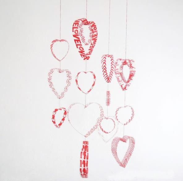 decoração-de-quarto-com-mobiles-coração