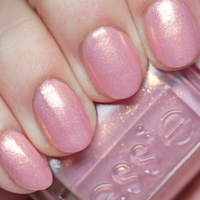 Essie 1550 Touch of Sugar
