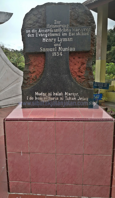 monumen batu munson dan lyman