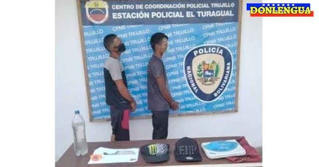 Detenidos dos delincuentes e Trujillo con media botella de aguardiente robado
