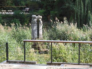 Skulpturenensemble Naturelement Wasser