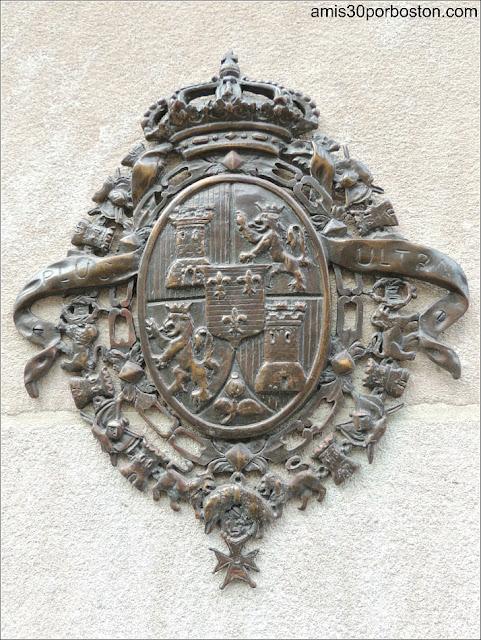 Escudo en la Fachada del Hotel Mayflower en Washington D.C.