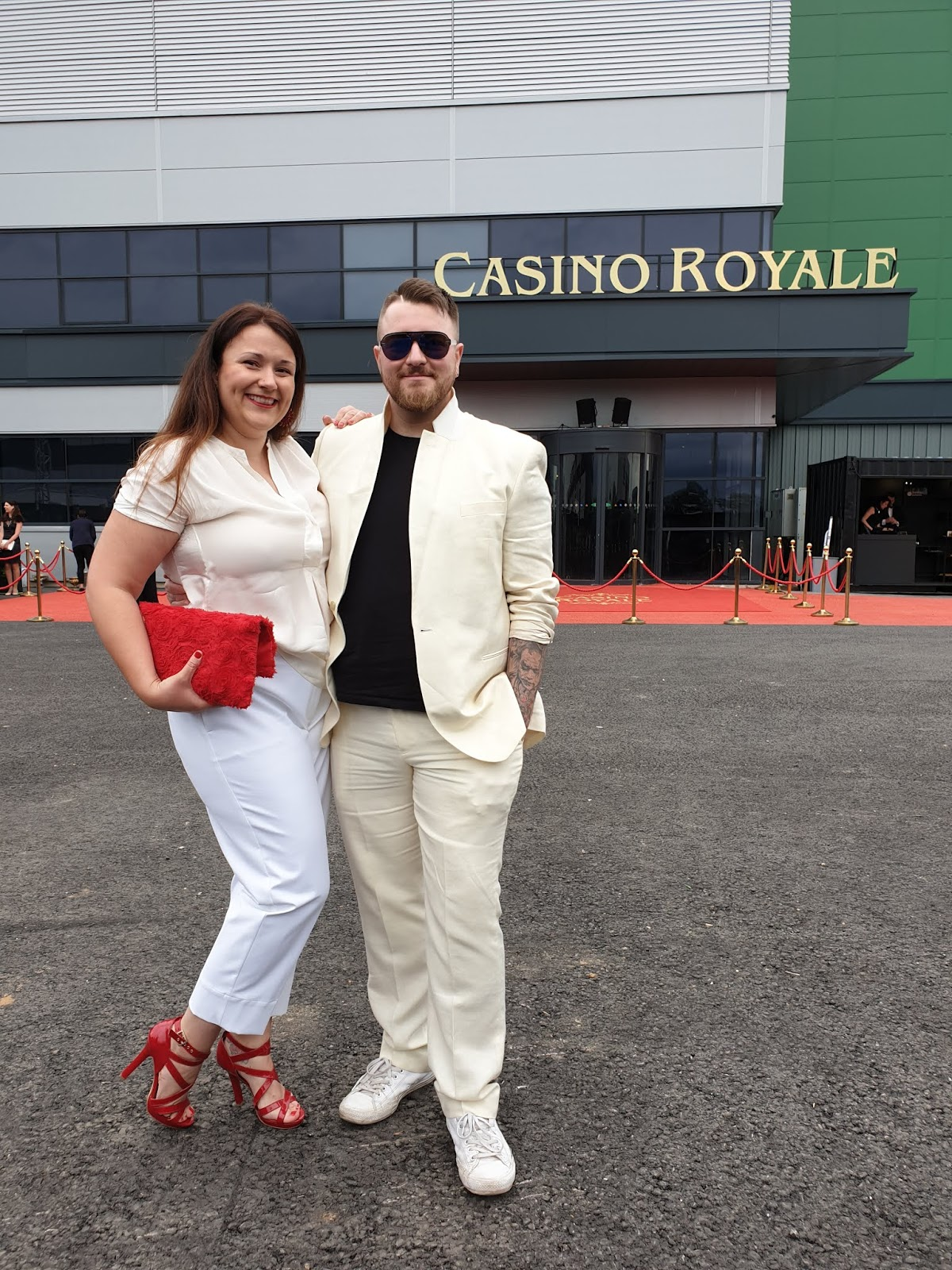 wearing all white at casino royale event