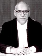 माननीय श्री नययमूर्ति दीपक गुप्ता।   जन्म:-07 मई 1955