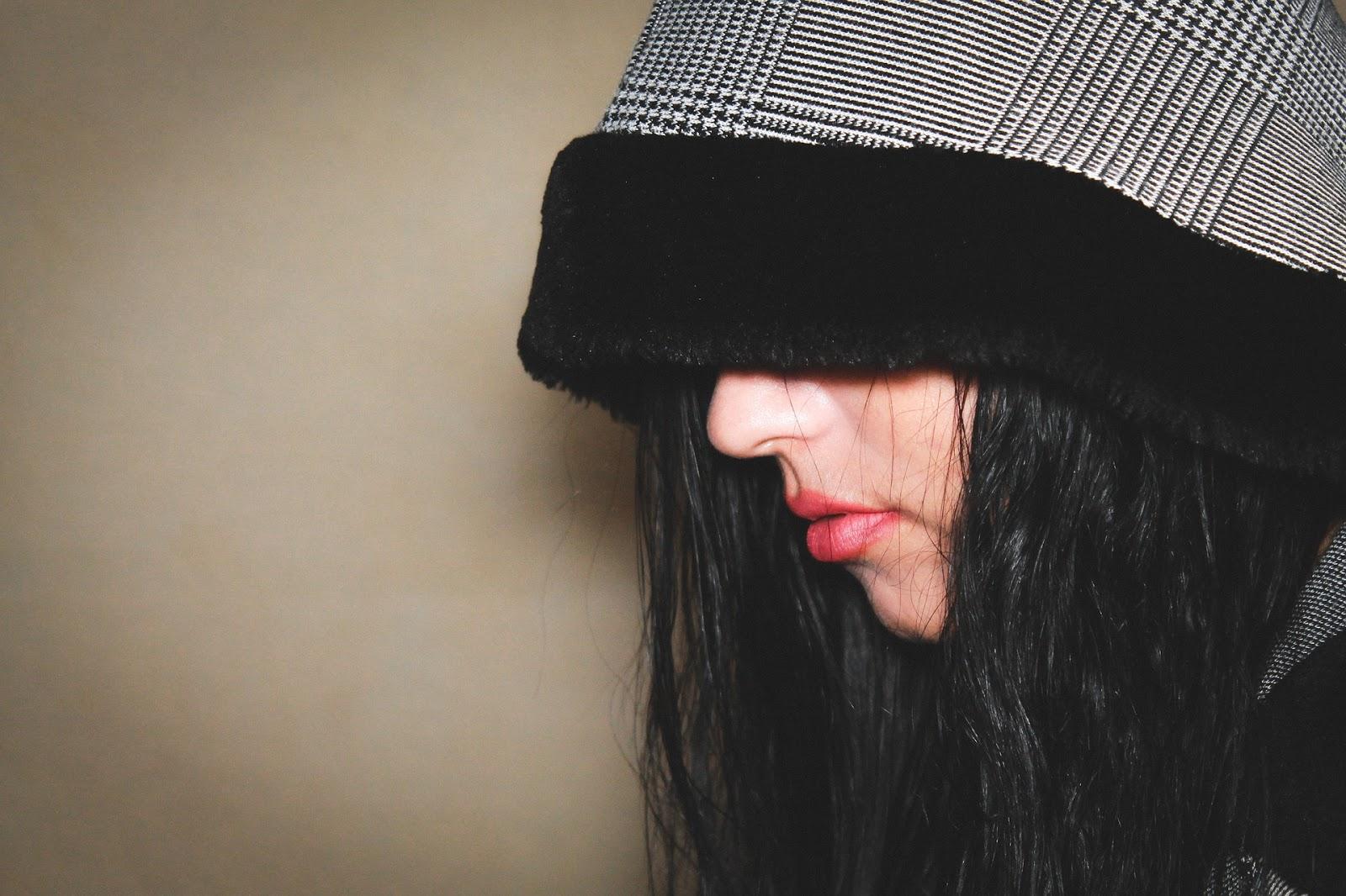 stylish sad girl pic