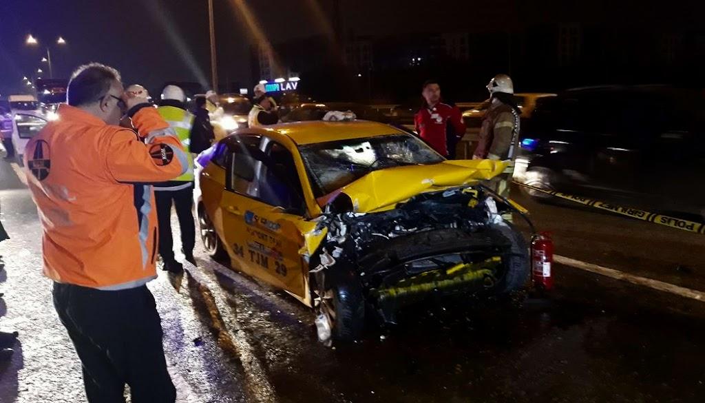 TEM'de kaza: Taksi şöförü hayatını kaybetti