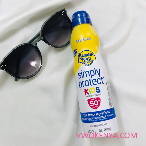 Xịt chống nắng Banana Boat Simply Protect Kids Sunscreen Lotion Spray SPF 50+
