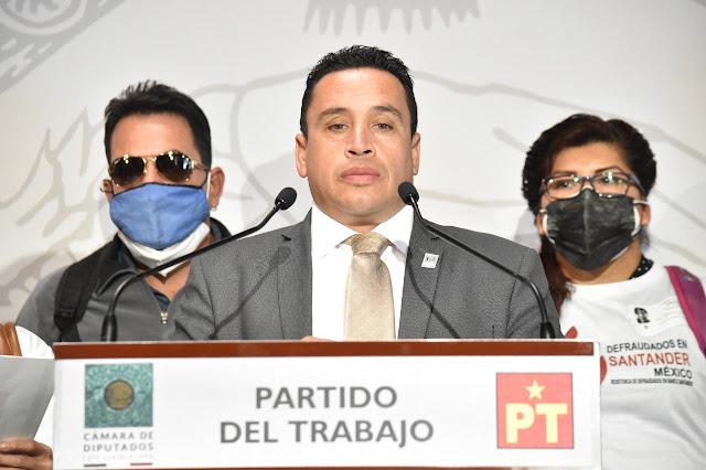 Respalda Emilio Manzanilla a usuarios de Santander víctimas de fraude que exigen reposición de su dinero