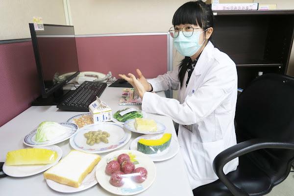 疫情宅在家生活好焦慮 彰化醫院調查體重增減M型化