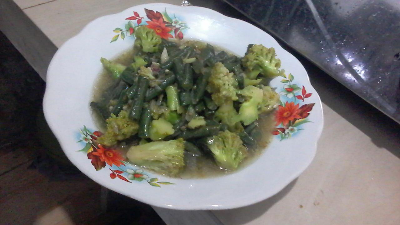 Tumis Kacang Panjang dan Brokoli Bumbu Sederhana Super Nikmat