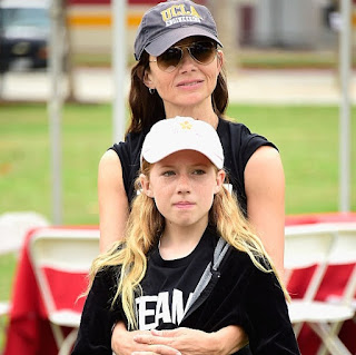 Picture of Gianetta Fluent with her mom Justine Bateman