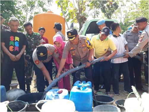 16.000 liter air bersih Disalurkan Ke Sukodono