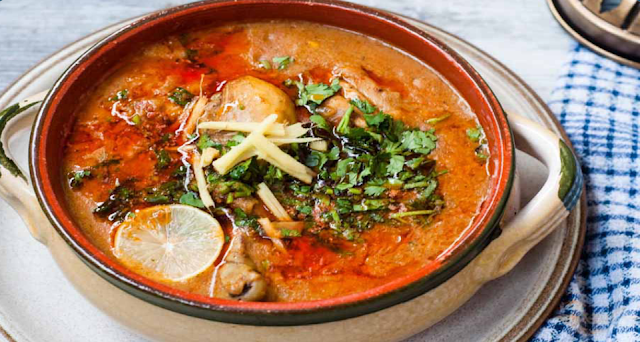 When is Nihari usually eaten?