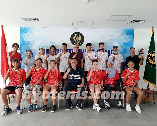 Tinjau TC Atlet Tenis Yunior, Ketum PP PELTI Berharap Regenerasi Pemain Berjalan dengan Mulus