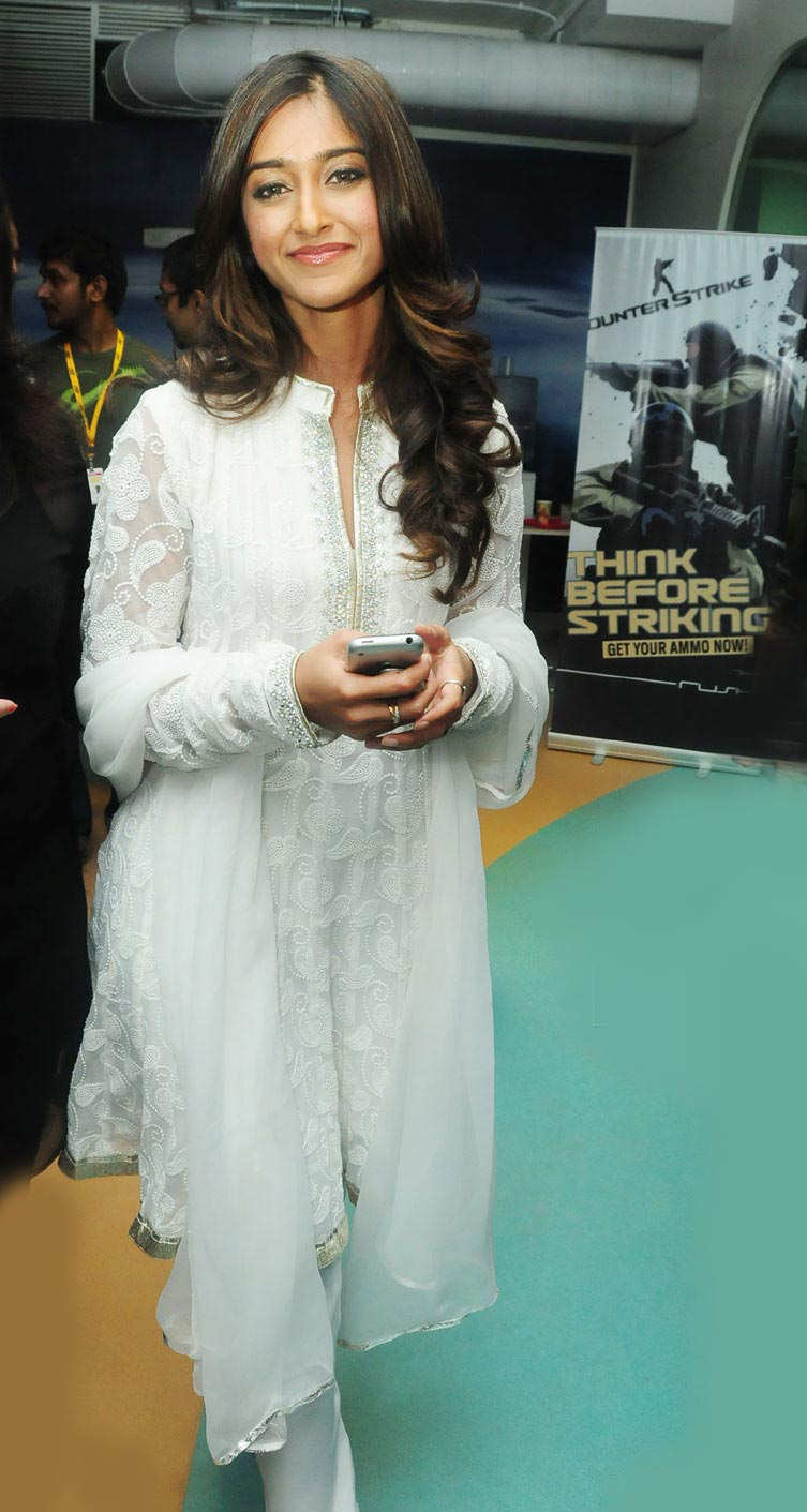 She Fashion Club Bollywood Actress In Kameez Salwar
