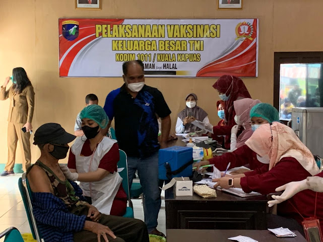 Purnawirawan, Warakawuri dan KBT Terima Vaksinasi Tahap II