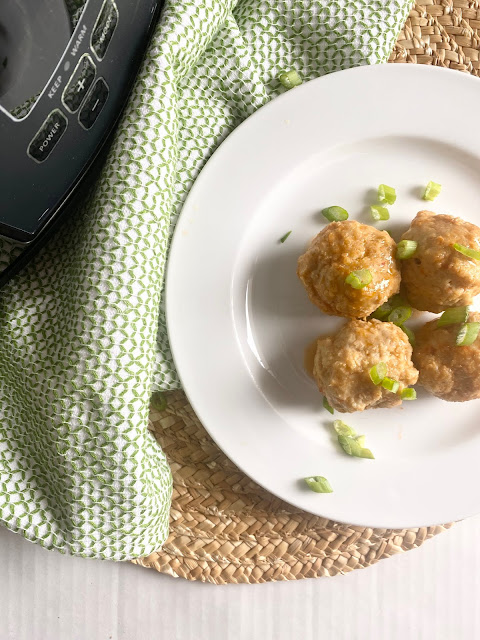 slow cooker buffalo chicken meatballs #sweetsavoryeats