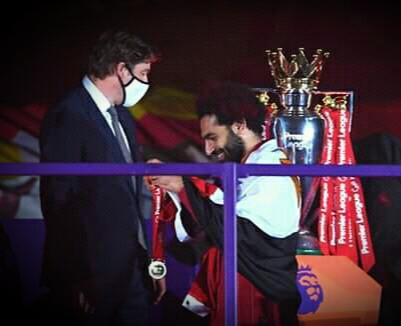 أول لاعب مصرى فى التاريخ يحقق لقب الدورى الإنجليزى الممتاز