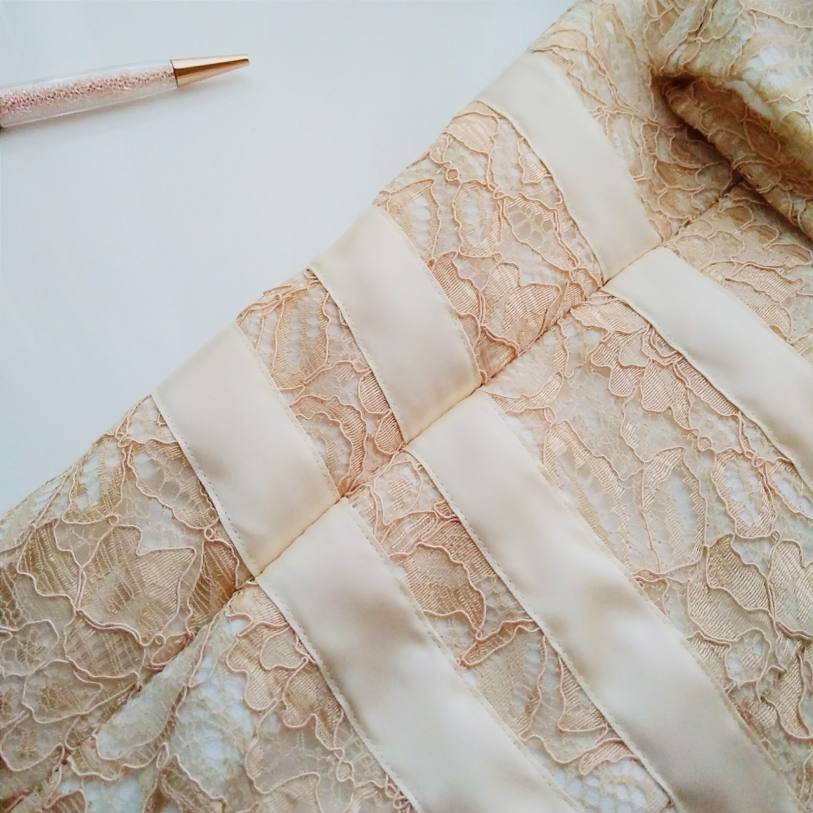Sewing with lace